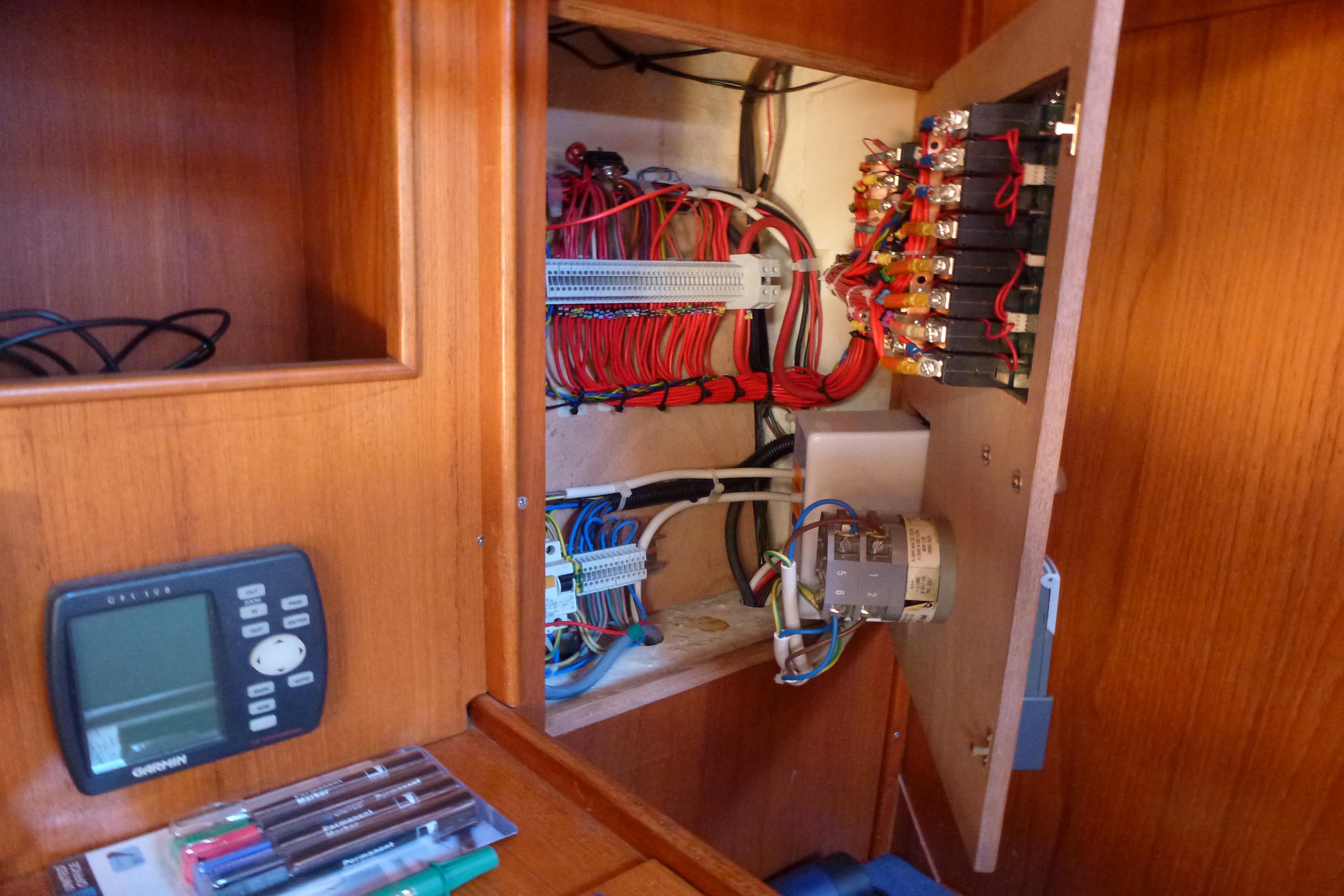 tableau lectrique electricit refaite enti rement. Black Bedroom Furniture Sets. Home Design Ideas